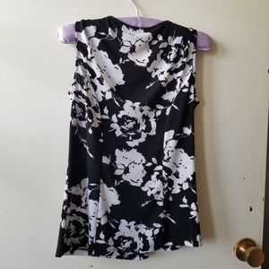 Black and White Floral Short Sleeve Ruched Blouse